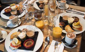 brunch-le-confidentiel-blog-agathe-duchesne-bordeaux-table-assiettes