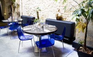 brunch-le-confidentiel-interieur-table-blog-agathe-duchesne-bordeaux