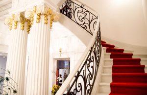 hotel-quinconces-bordeaux-degustation-biere-escalier