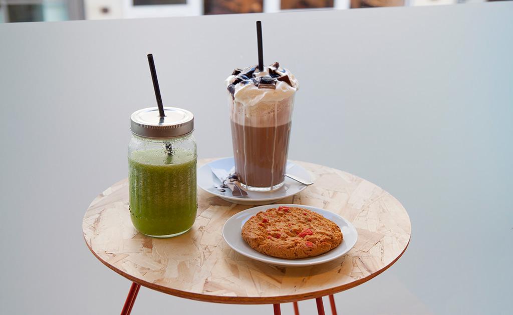 Tthe-ou-cafe-coffee-shop-poitiers-agathe-duchesne-blog-table