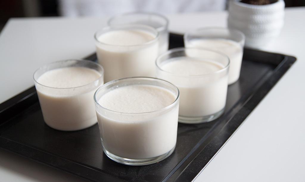 recette-panna-cotta-noix-coco-caramel-ramequins