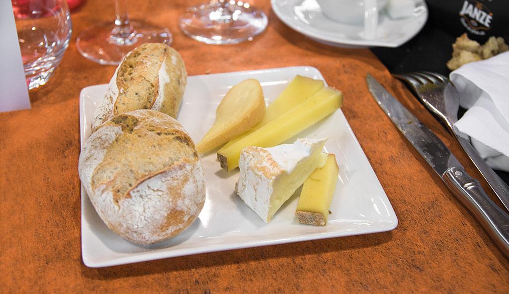 les-toqués-de-janzé-dejeuner-gastronomique-fromage-bordier