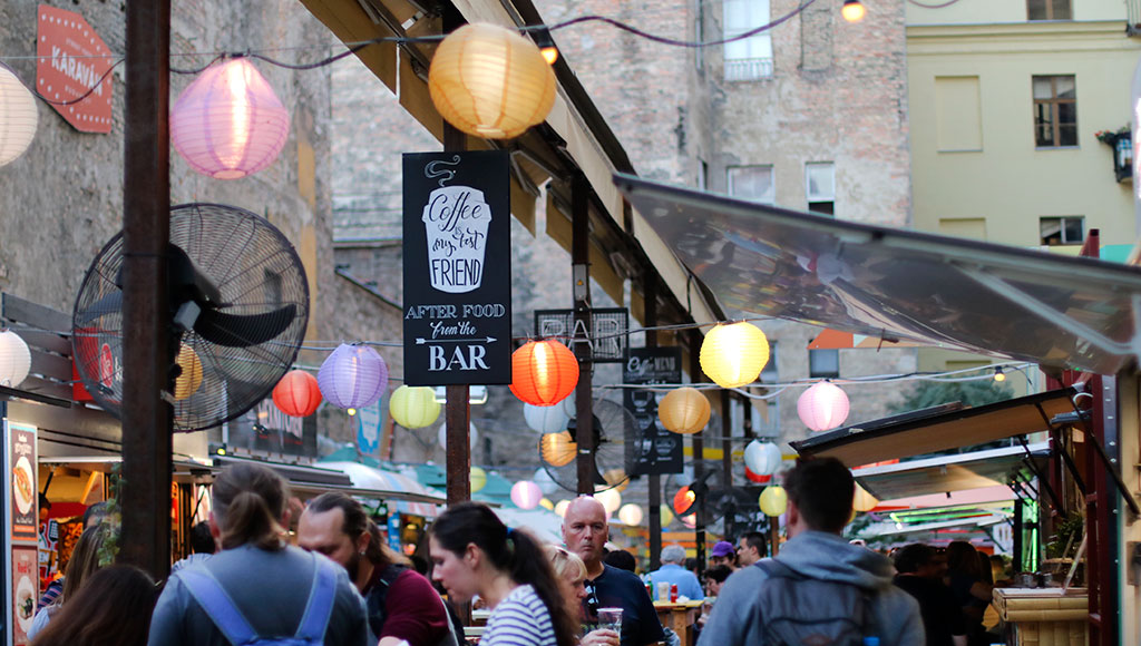 bonnes-adresses-manger-budapest-agathe-duchesne-karavan-street-food