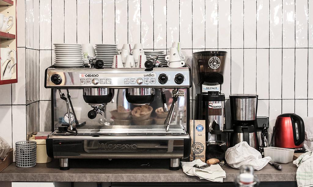 la-grenouille-a-grande-bouche-restaurant-rennes-agathe-duchesne-blog-cafe