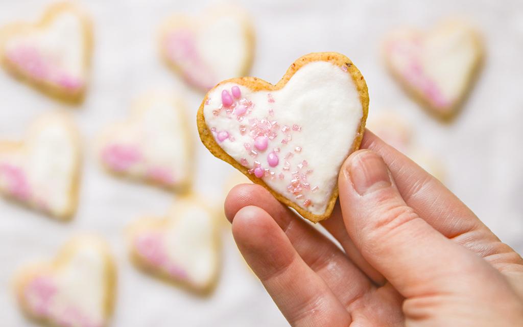 Biscuits-orange-noisette-glacage-coco-vegan-agathe-duchesne