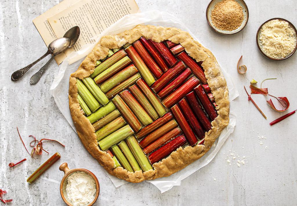 tarte-rustique-rhubarbe-sans-gluten-agathe-duchesne-blog